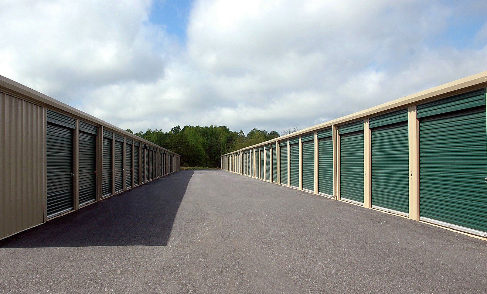Must-Have Features of Self Storage Security